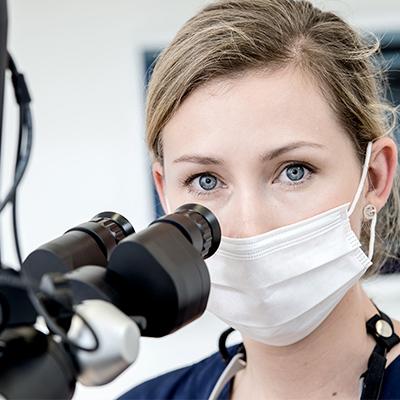Mikroskopische Endodontie (Wurzelbehandlung)
